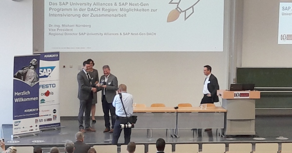 Prof. Dietmar Kilian erhielt SAP Community Award